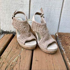 Cream Crochet Audrey Brooke Wedges (Size 7)